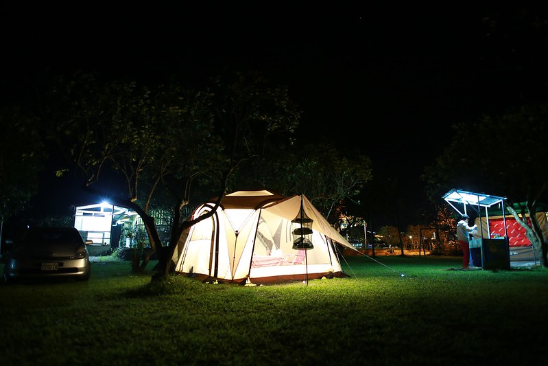 夜晚的營區