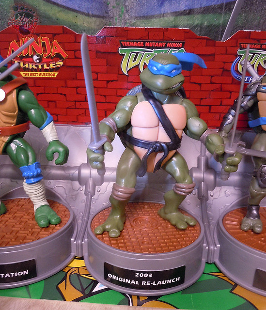 "Nickelodeon ""HISTORY OF TEENAGE MUTANT NINJA TURTLES"" FEATURING LEONARDO - TMNT 2k3 LEONARDO ii (( 2015 ))"