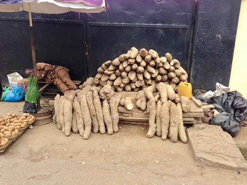 africanyams roadsidemarket sunmolastreet maryland lagosstate nigeria jujufilms jujufilmstv photography