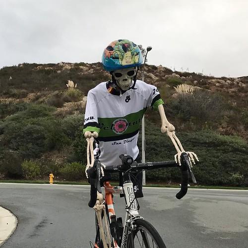 BNutz at the 2016 VeloNutz Halloween crit full coverage at http://goo.gl/gU3opj thanks as always to club sponsors @champsys @donuttouchbakerycafe @pizzarev @performancebike . . . #bikelife #bikelove #sandiego #velonutz #halloween #crit
