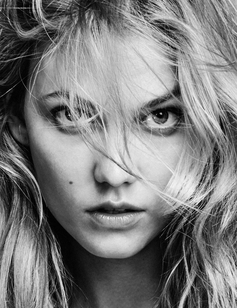 Карли Клосс — Фотосессия для «Vogue» MX 2016 – 2