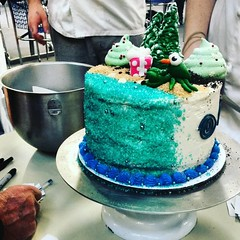 Cake competition in The Commons right now! Baking students had 15 minutes to create-a-cake (well, decorate a cake.) See the green lobster with the carrot nose? #cake #cakewarslwtech #thelwtech #cakedesign #baking #fridayfunday #season