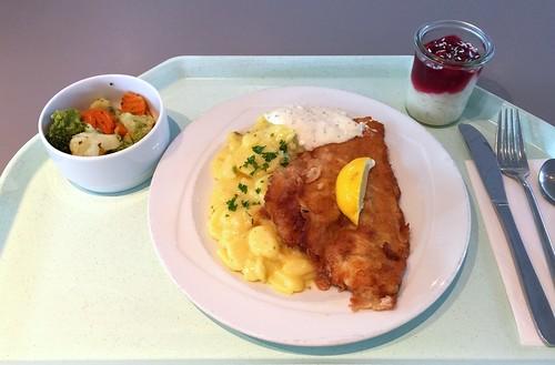 Baked plaice with remoulade & potato salad & Gebackene Scholle mit Remoulade & Kartoffelsalat