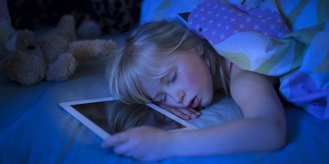 Gambar 3 untuk Cara Mengurangi Bahaya Radiasi Smartphone di Malam Hari