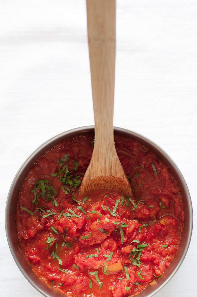 Quick homemade chunky tomato sauce
