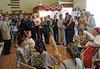 Besuch der Ausstellung mit Gebrauchsgegenständen und Vorführungen aus dem Dorfleben im Rentnervereinslokal. Foto: Cornel Gruber
