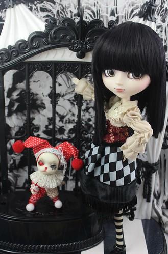 Moira & Twisty