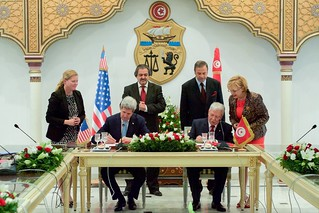 Secretary Kerry Signs Agreement with Foreign Minister Baccoucheo to Hold Loan Guarantee Negotiations at the Ministry of Foreign Affairs in Tunis