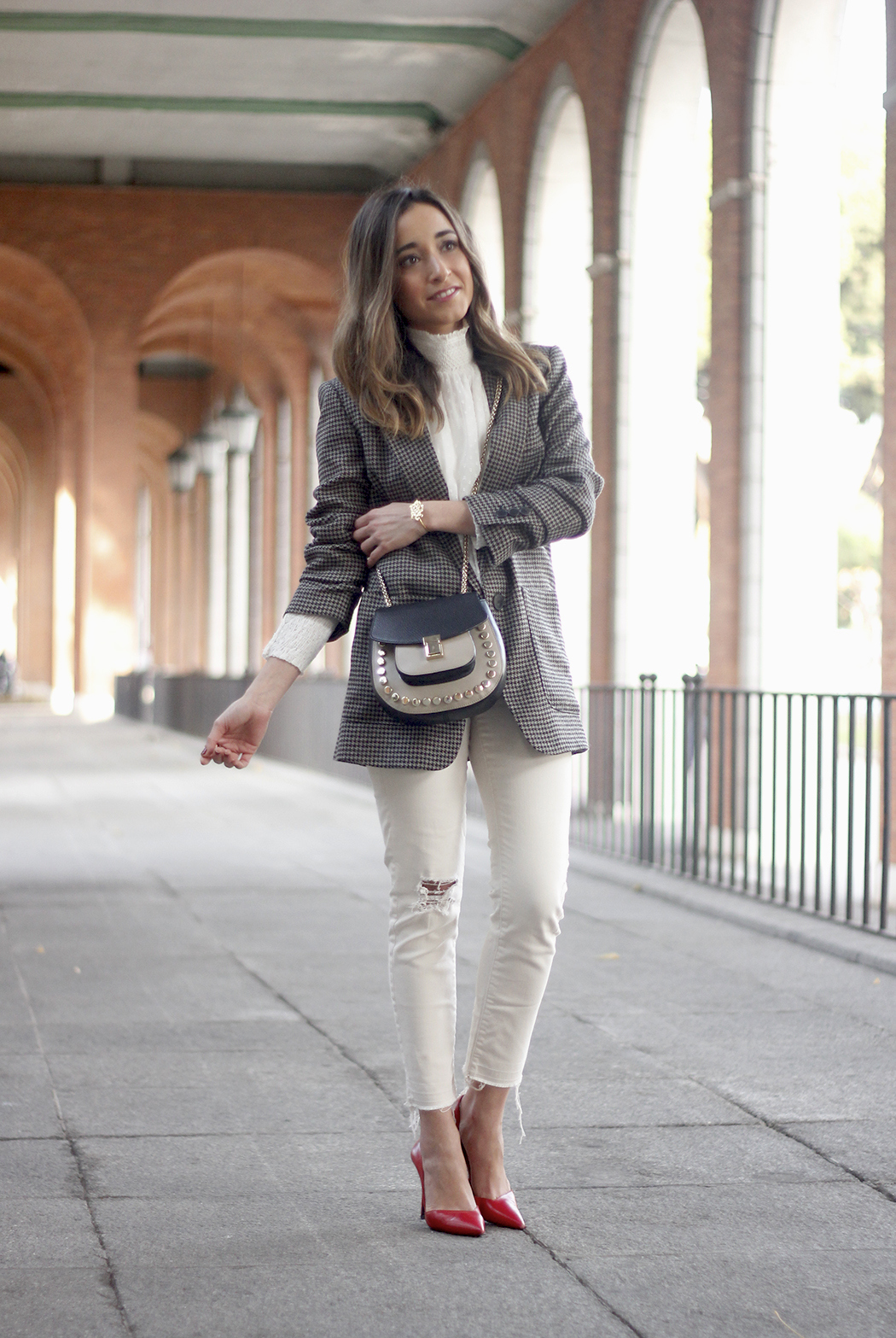 Plumeti blouse houndstooth blazer white jeans outfit style streetstyle26