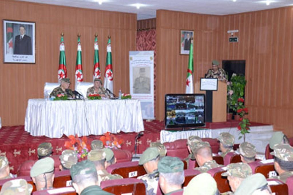 الجزائر : صلاحيات نائب وزير الدفاع الوطني - صفحة 4 30777244105_50ac18faa9_o