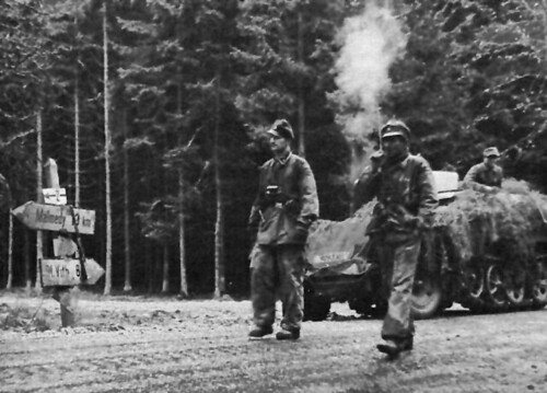 Kampfgruppe_Peiper's_Troops_on_the_road_To_Malmedy