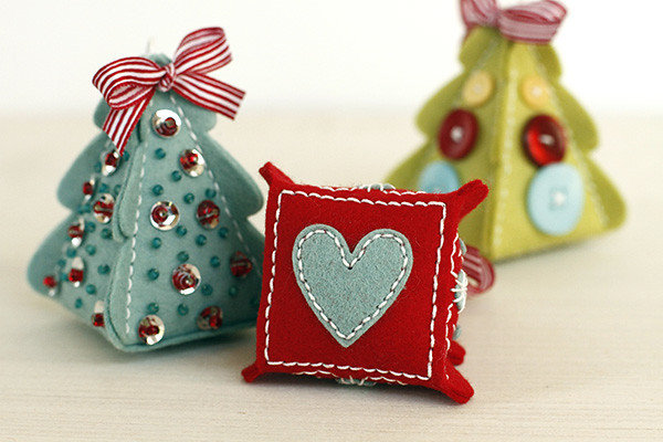 Coffee Cozy Details add a sweet detail to the bottom of the Christmas Tree Change Up ornaments