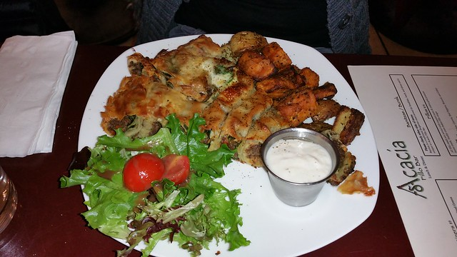 2015-Nov-10 Acacia Fillo Bar - spicy beef burek