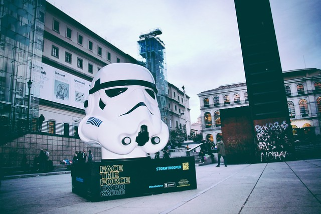 Stormtrooper junto al Reina Sofía
