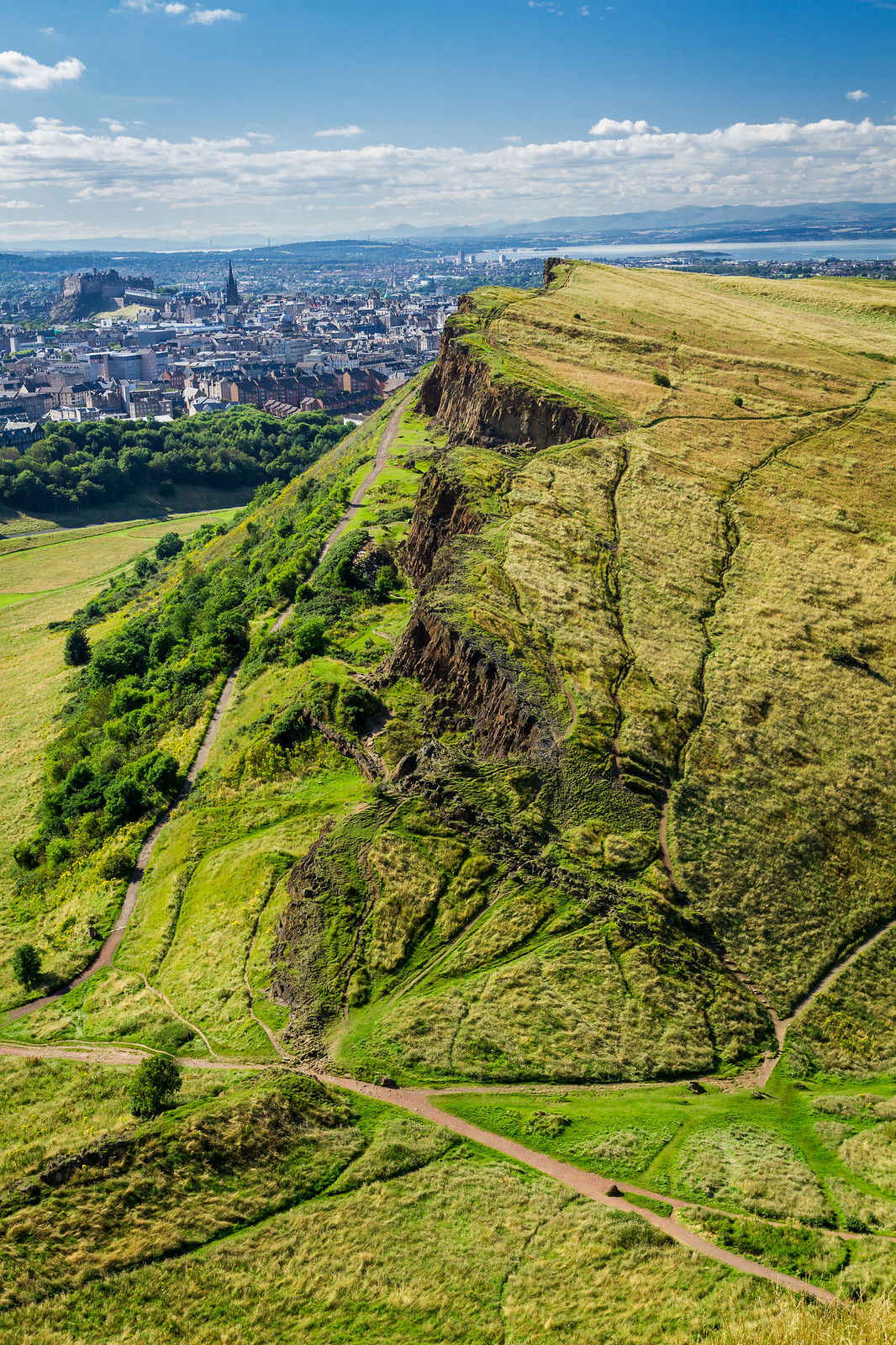 Arthurs Seat Edinburgh travel blogger UK