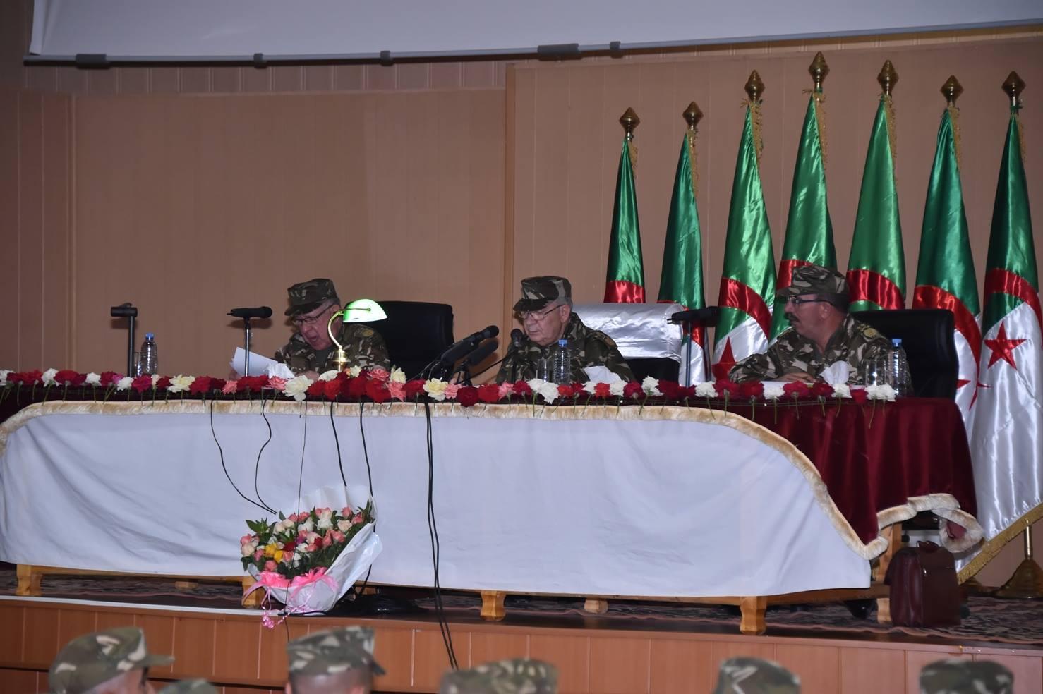 الجزائر : صلاحيات نائب وزير الدفاع الوطني - صفحة 5 30843674836_81bd288fb4_o