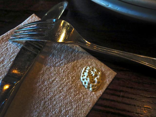 fork, gum, napkin