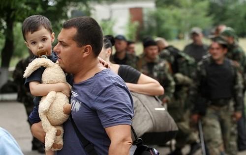 ООН роздає жителям Донбасу гроші