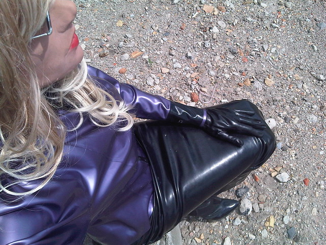 Latex hobble skirt blowjob