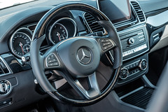automobile, wheel, vehicle, automotive design, mercedes-benz, mercedes-benz m-class, steering wheel, land vehicle, luxury vehicle,