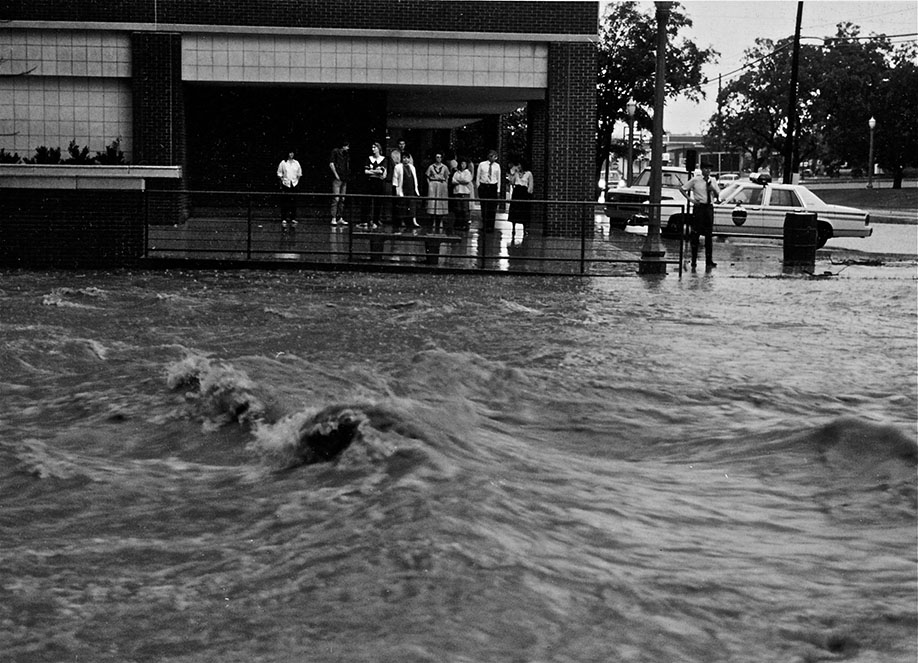 Baylor Bookstore flood, 1989
