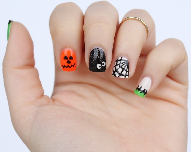 Crazy Halloween Nails | Manicure