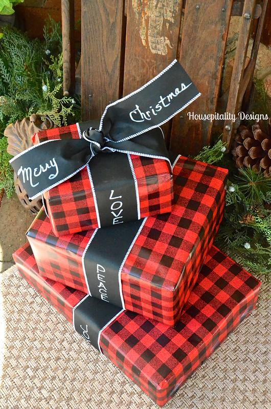 Christmas Wrapping Ideas - Housepitality Designs