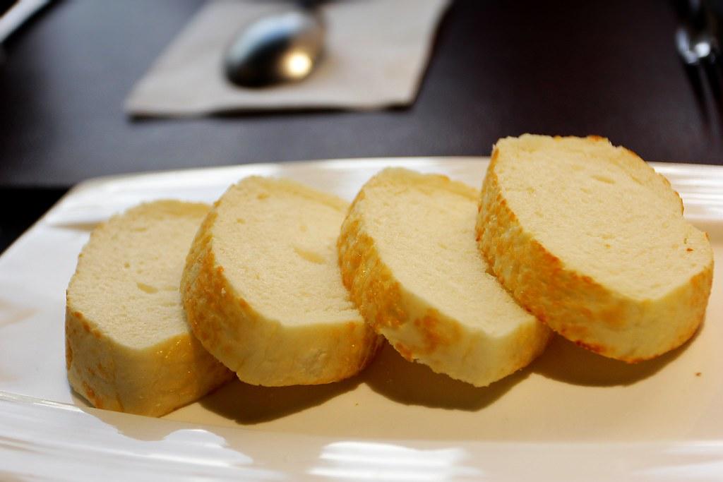 麵包鬆軟...