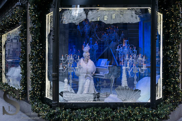 Festive Saks fifth Ave (8 of 25)