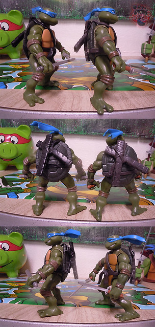 "Nickelodeon ""HISTORY OF TEENAGE MUTANT NINJA TURTLES"" FEATURING LEONARDO - TMNT 2k3 LEONARDO iv / ..with Original '03 Leonardo (( 2015 ))"