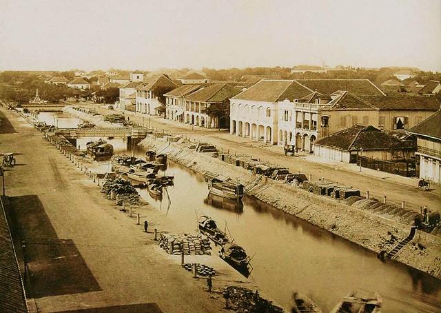 Saigon 1870s - Le grand canal et la rue Charner - Sau này là đường Nguyễn Huệ
