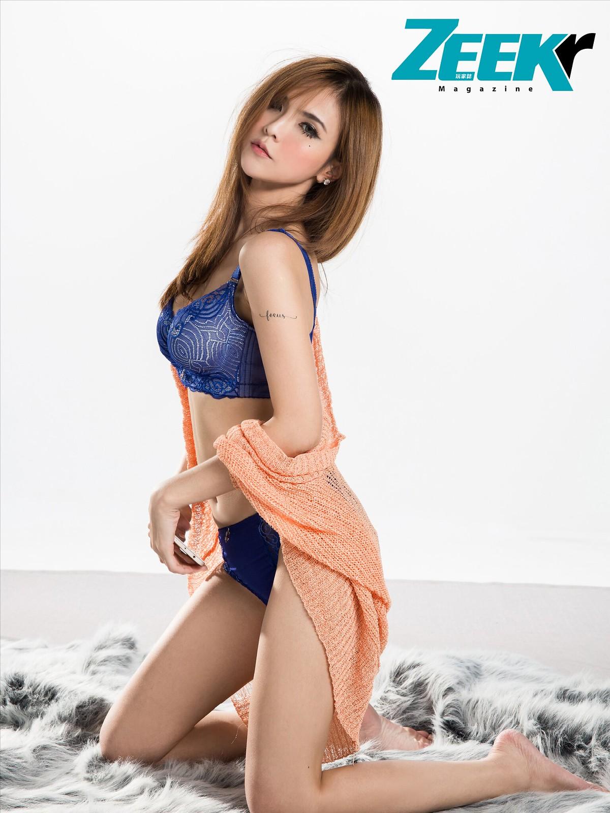 ZEEK Girl9
