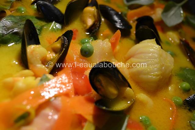 Soupe de Poisson au Lait de Coco  © Ana Luthi Tous droits réservés 030