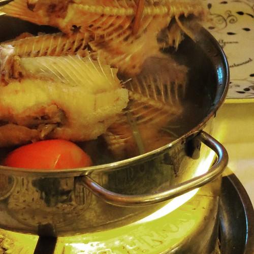 見た目はかなりアレだけど、ごっついうまかった、フュージョン料理の鍋。