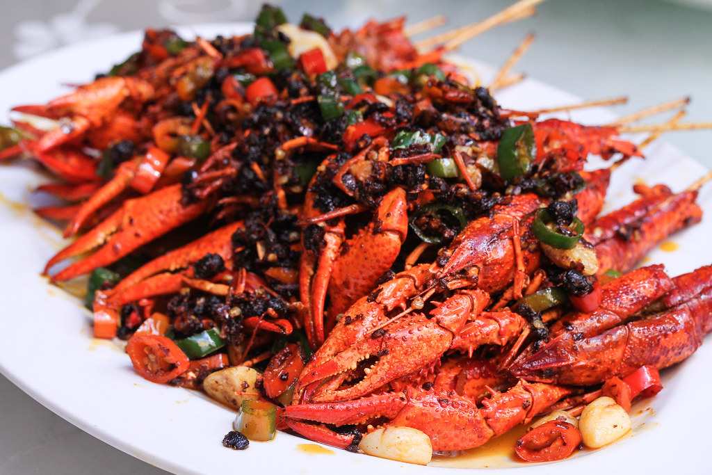 Si Chuan Dou Hua Restaurant's Stir-fried Fresh Baby Lobster with Black Bean Paste and Spicy Chilli Sauce (豆豉双椒串串小龙虾)
