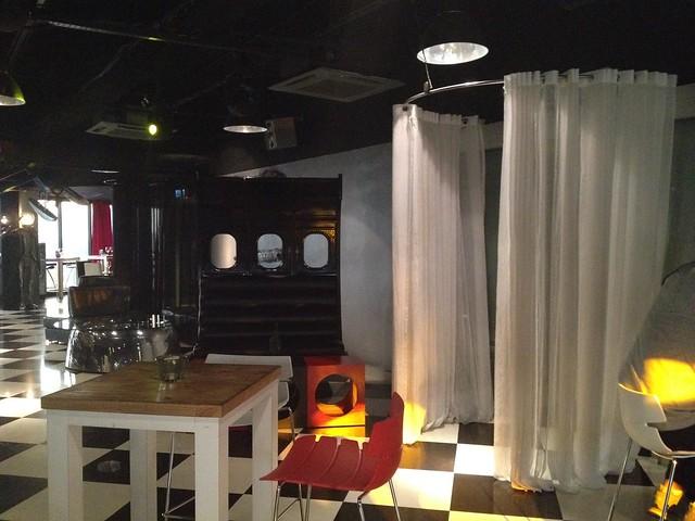 Heli Lounge via TinyBlackBird.com - 05