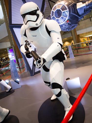 Changi_Star_Wars_The_Force_Awakens_12