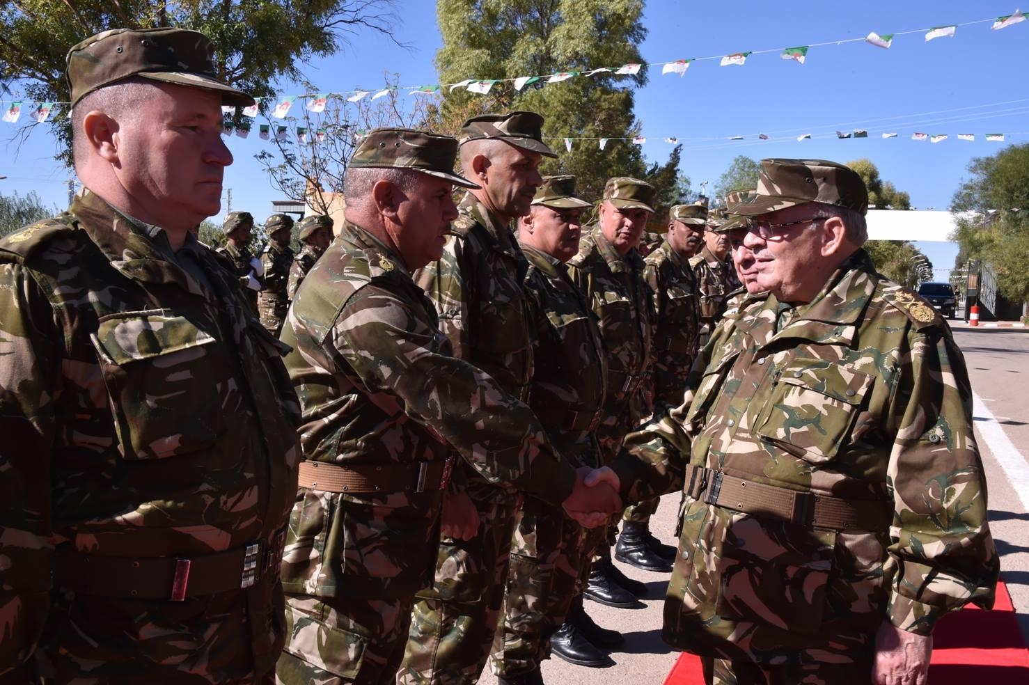 الجزائر : صلاحيات نائب وزير الدفاع الوطني - صفحة 5 30763618982_4267636d64_o