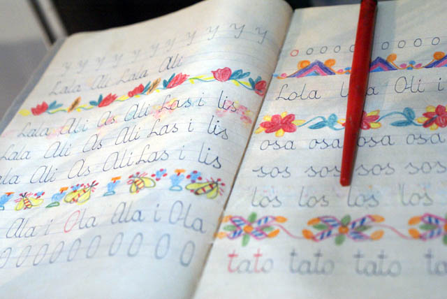 > Musée ethnographie de Varsovie : Cahier d'écriture d'écolier :-)