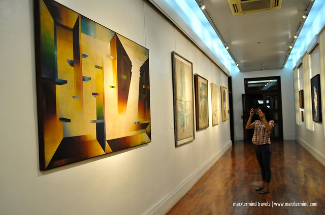 Hall Featuring Paintings and Artwork National Museum