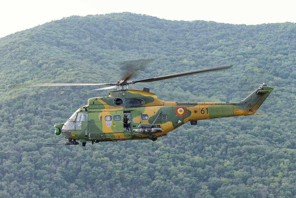 IAR 330 Puma SOCAT 21193119985_feb5a22d6a_b