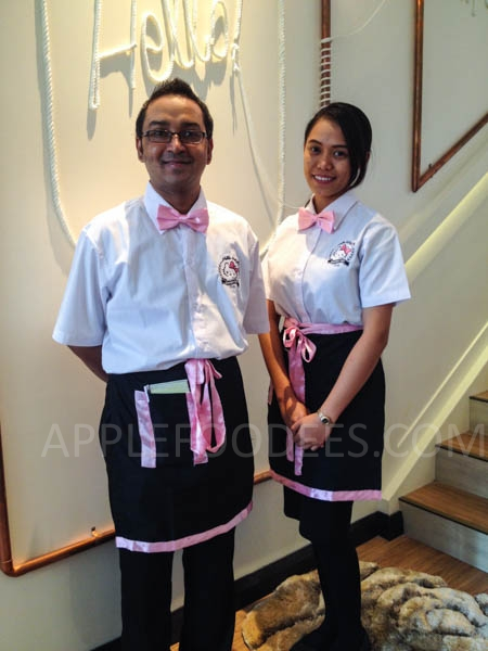 hello-kitty-cafe-servers