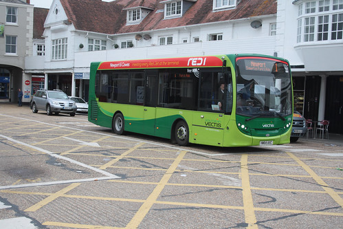 Go South Coast (Southern Vectis) 2712 HW64AXC