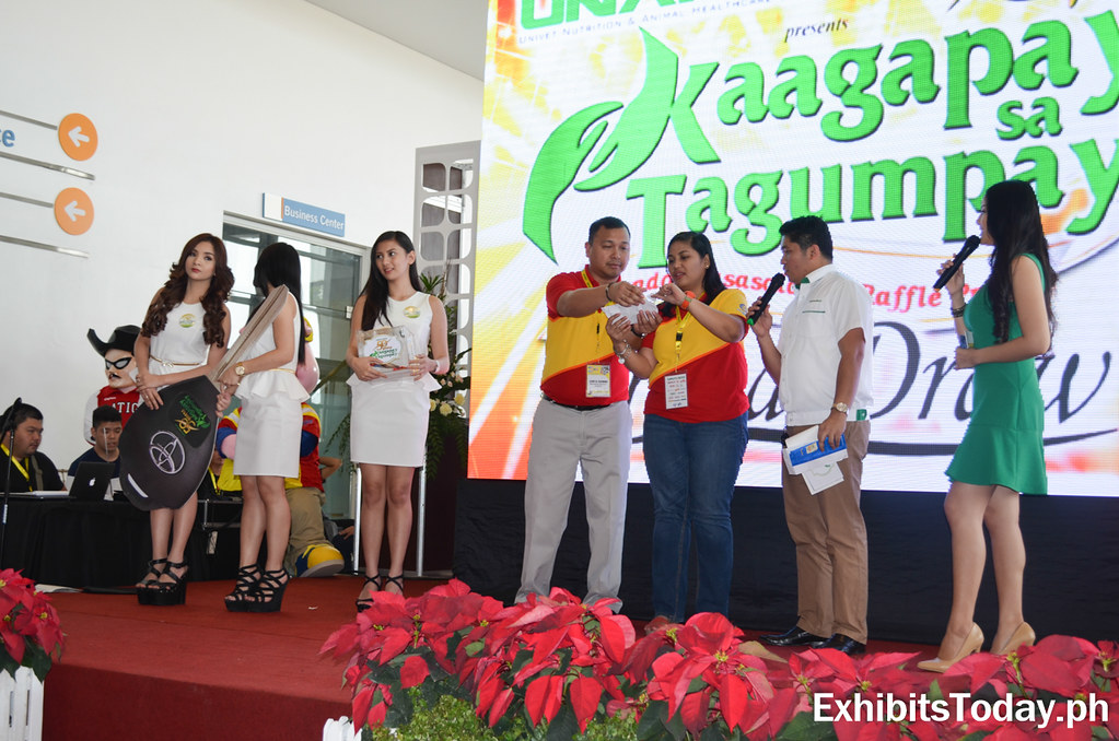 Kaagay sa Tagumpay announcing of car winner