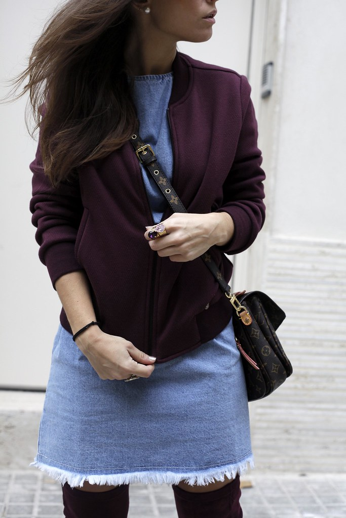 010_how_to_wear_bomber_burgundy_outfit_theguestgirl_streetstyle_barcelona