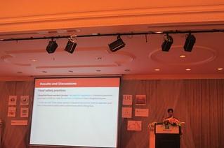 Dang Xuan Sinh presents his research