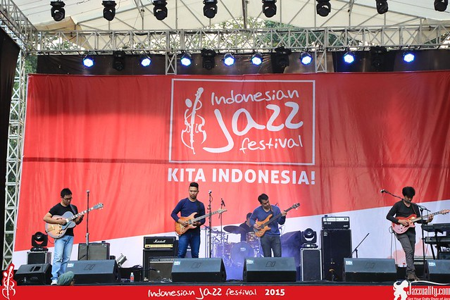 Indonesian Jazz Festival 2015 - Tritone(2)