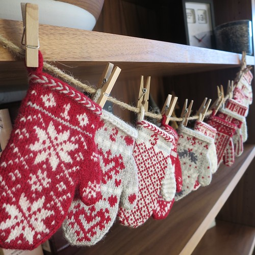 Mitten Garland Advent Calendar Hanging