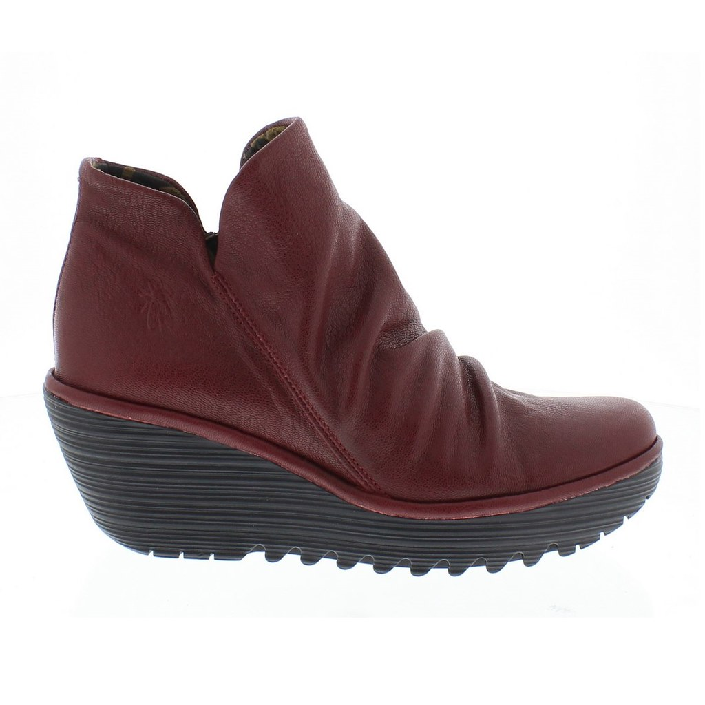 Earth Traveler Shoes Red