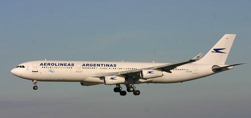 Aerolineas Argentinas A340 LV-CEK